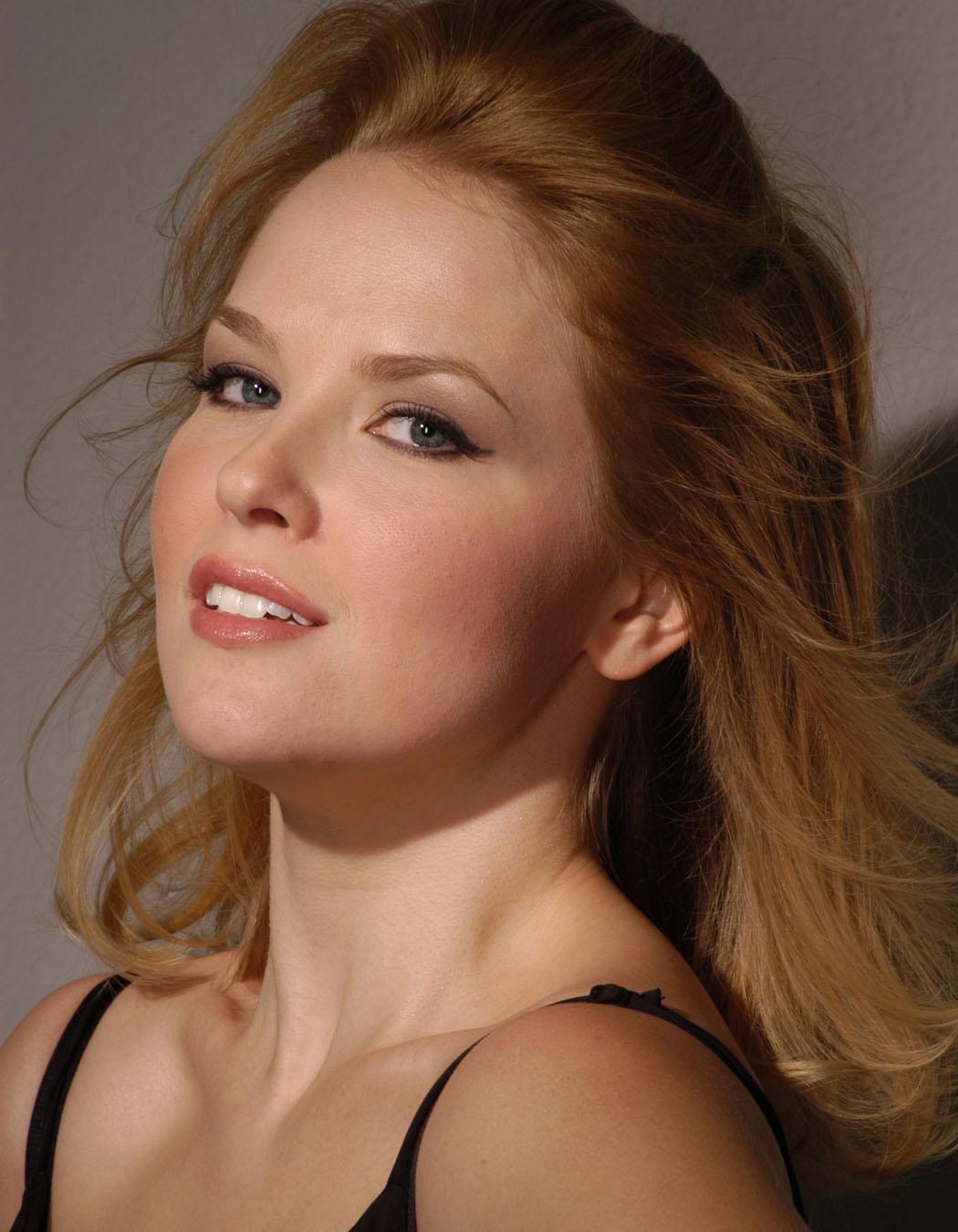 Monique Gabrielle photo